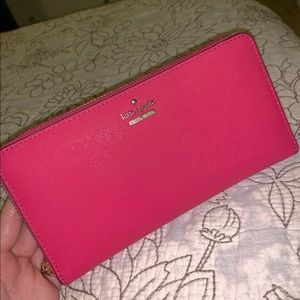 Kate Spade wallet Fuchsia Excellent Conditions